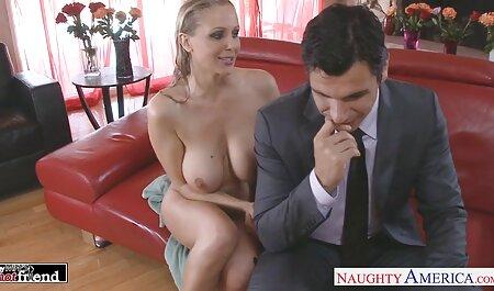 Procace mamma gode di succhiare e saltare su italiani porno amatoriali due cazzi