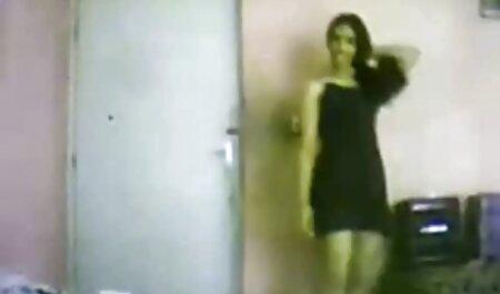 Grande video italiani amatoriali xxx Dai seni hentai brunetta prende leccato