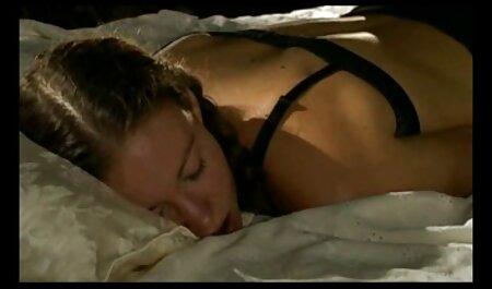 Bruna Mia si siede porno gratis amatoriale italiano su una rossa