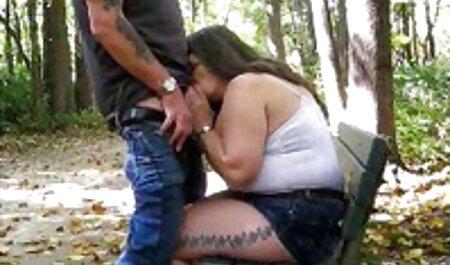 Prendere in giro Amatoriale ladyboy accarezzando il siti porno italiani amatoriali suo cazzo